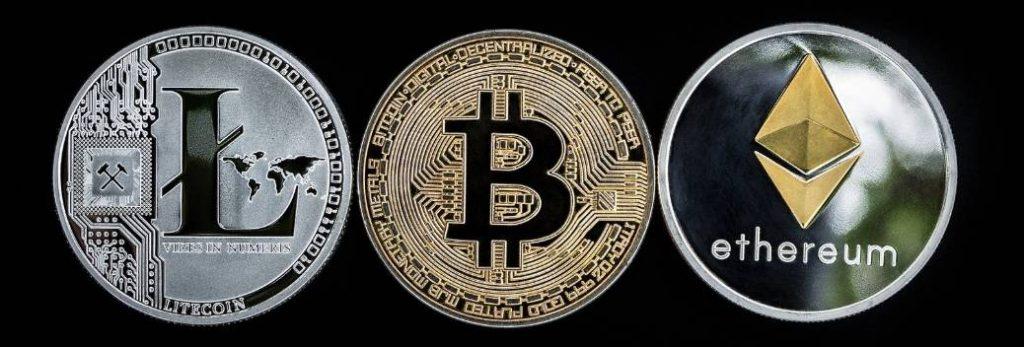 Op deze foto zie je 3 cryptomunten, een groot onderdeel van de cursus crypto masterclass
