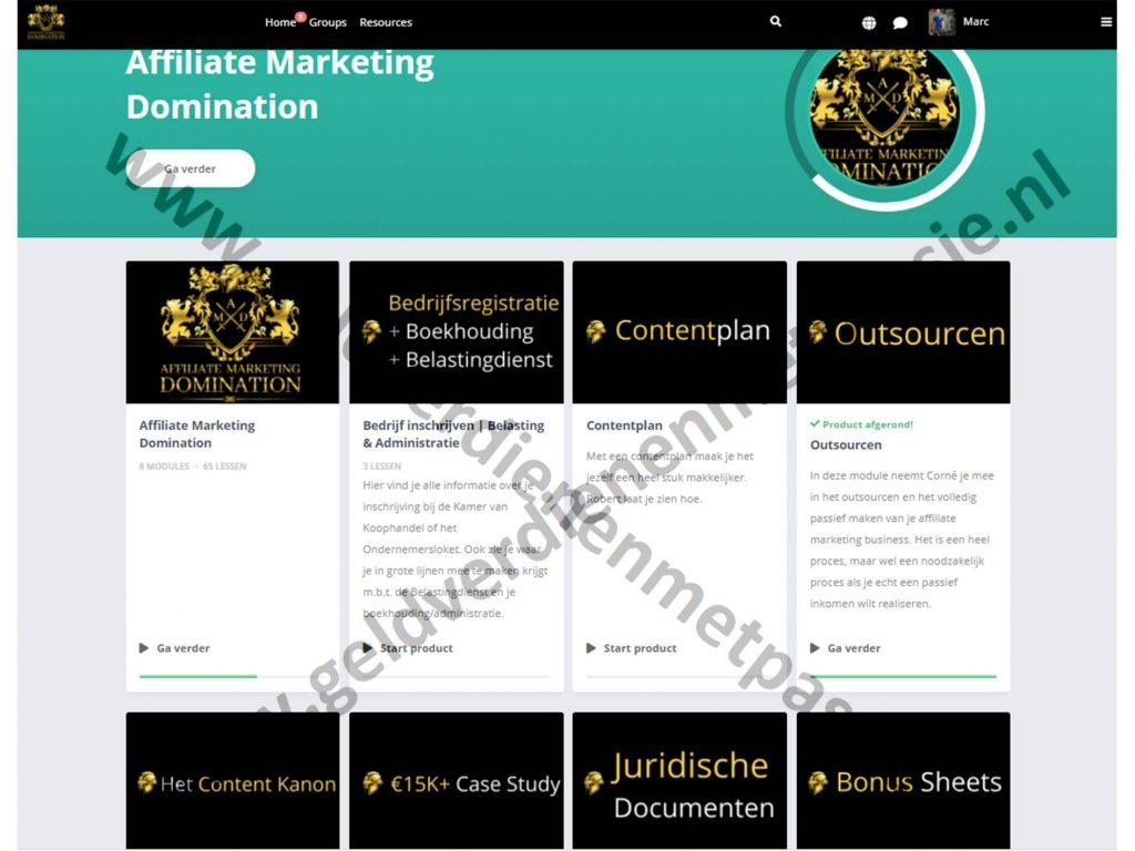 Op deze foto zie je de omgeving van de affiliate marketing domination gemaakt met huddle software