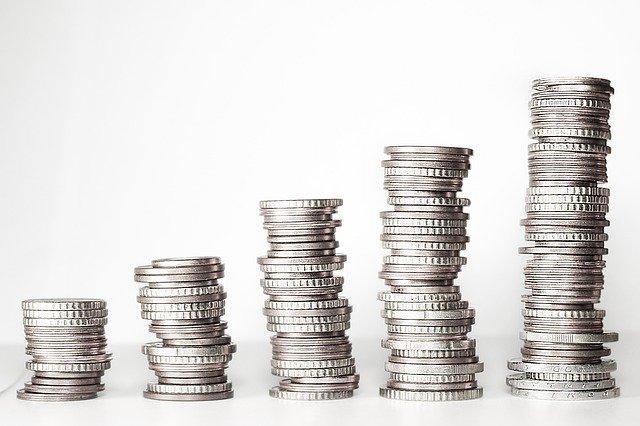 Op deze foto zie je geld waar mensen vaker hun winst moeten pakken met aandelen.