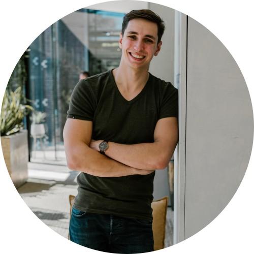 Op deze foto zie je Martijn van Tongeren, 1 van de 2 oprichters van Phoenix Software