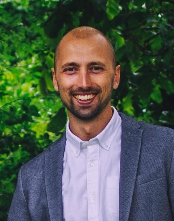 Op deze foto zie je Jordi van de Pas, 1 van de oprichters van de Day Trading Masterclass