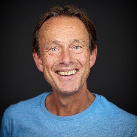 Op deze foto zie je Albert Sonnevelt, 1 van de oprichters van BreinTV