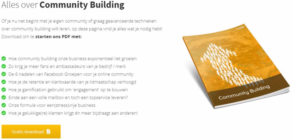 Op deze foto zie je het ebook community building van huddle
